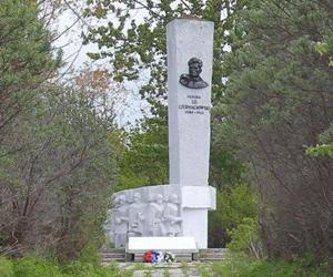 Памятник генералу Черняховскому из Польши могут перевезти в Курск?